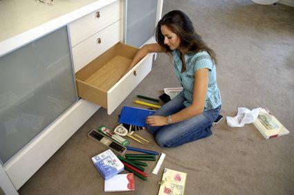 Regelmäßiges Ausmisten sorgt für Übersicht in der Wohnung. Hier sind Tipps zum Entrümpeln und Ausmisten für Einsteiger. Es ist einfach, so geht´s leicht...