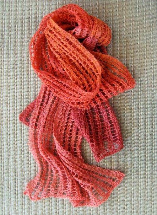 Ανάλαφρο κασκόλ με πλέξη δαντέλα για τους αρχάριους στο πλέξιμο με τις βελόνες. Οδηγίες στο ftiaxto.gr