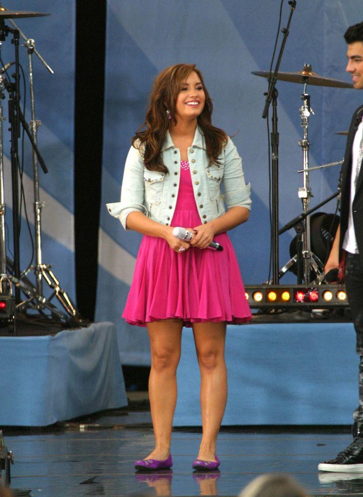 Demi Lovato - Good Morning America 2010