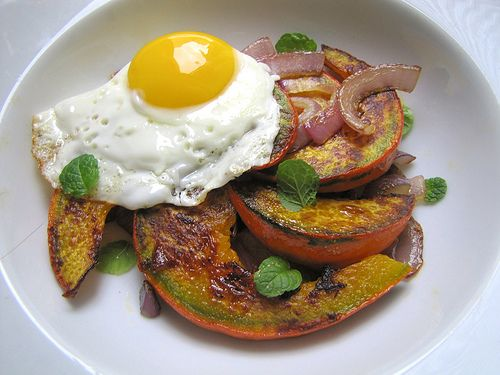 "Kuri Squash ""Steaks"" and Eggs 