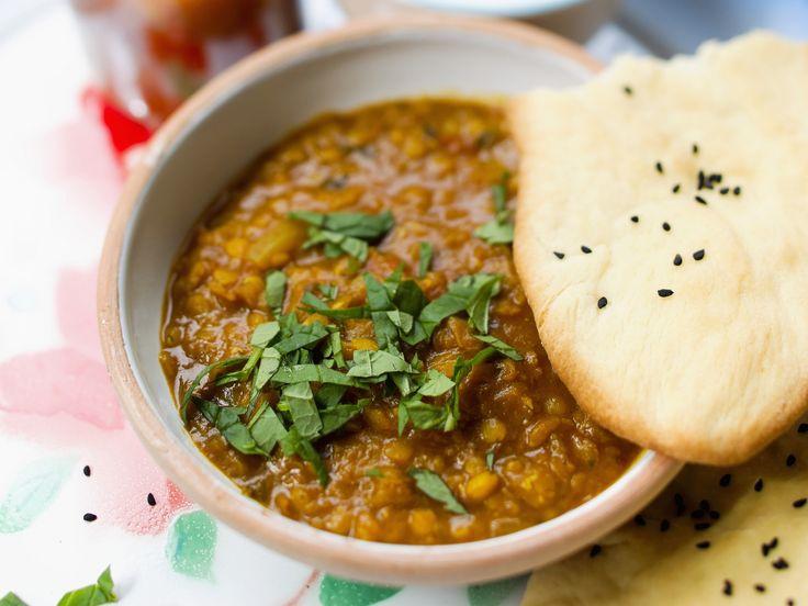 Linseneintopf - smarter - Zeit: 20 Min.   eatsmarter.de http://eatsmarter.de/rezepte/entenbrust-mit-linsensalat-mit-birne-walnuessen-und-rotkohl #eintopf #koriander #indisch