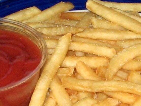 My recipe for retro McDonalds french fries is timely and tedious, so if you can tough it, carry on! This is authentic to the original beef tallow fried potatoes until 1990, when tallow was switched out for shortening. Today, a shortening/vegetable oil blend is used.