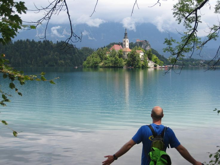 Little Lake Bled has a little island in the middle, on which a castle is built.
