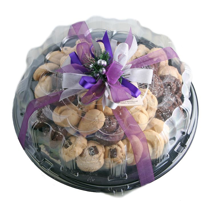 Trays of Cookies accented with your personal wedding colours