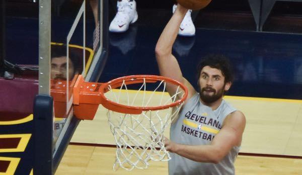 Report: Cavaliers 'not even remotely' considering Kevin Love trade - http://www.truesportsfan.com/report-cavaliers-not-even-remotely-considering-kevin-love-trade/