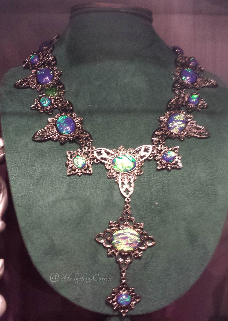 borgin amp burkes cursed necklace diagon alley wizarding