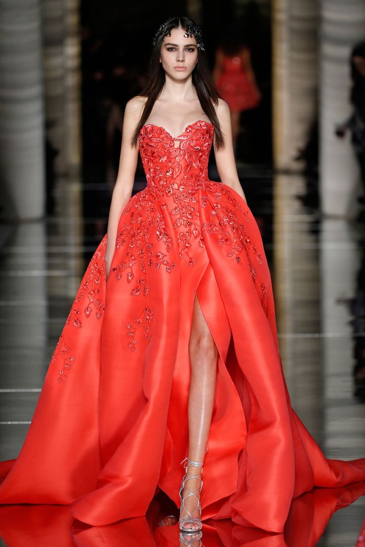 Zuhair Murad Couture Spring 2015 | Strapless heart-shaped envelope dress in crimson red silk gazaar, embroidered with floral 3D appliques