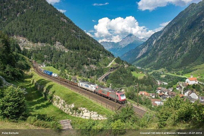 Crossrail: 185 602-0 + 581-6 Location: Wassen (UR) Date: 25-07-2014 Copyright: Peter Bertschi (CH) https://www.flickr.com/photos/croco67368/
