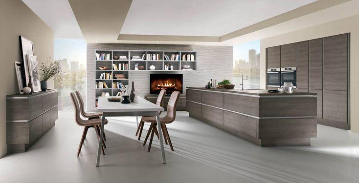 Kuchyně Stela   SIKO KUCHYNĚ Kuchyně Stela je úplně nový trendy dřevodekor, který se hodí do každého interiéru. Dvířka jsou vyrobena z vysoce odolného lamina, které jen tak nic nepoškodí. Tato kuchyně se obzvláště skvěle vyjímá v bezúchytkovém provedení.