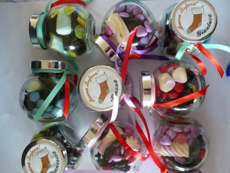 barattoli personalizzati , idea regalo per i tuoi ospiti invitati.. #calza #be #natale #befana #regali #segnaposto