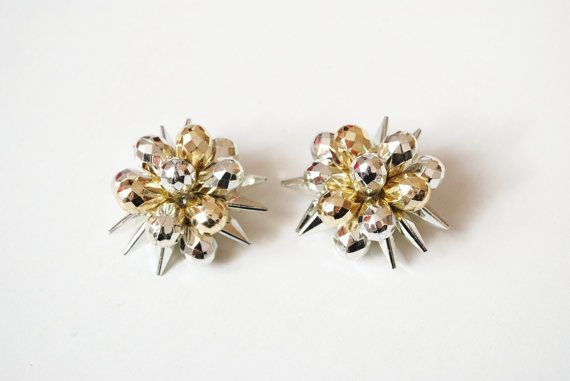 Vintage Christmas Clip On Earrings Sparkle by SoulSisters16