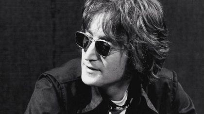 Publican video que muestra las últimas imágenes de John Lennon en el estudio de grabación.
