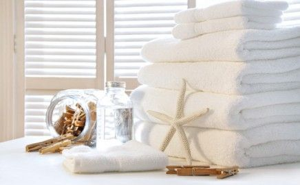Looking for #laundry #service to clean and dry your towels and other stuff? Your #spa and #salon service is only as good as your clean sheets and towels; leave that to Green Clean Commercial Laundry Service.