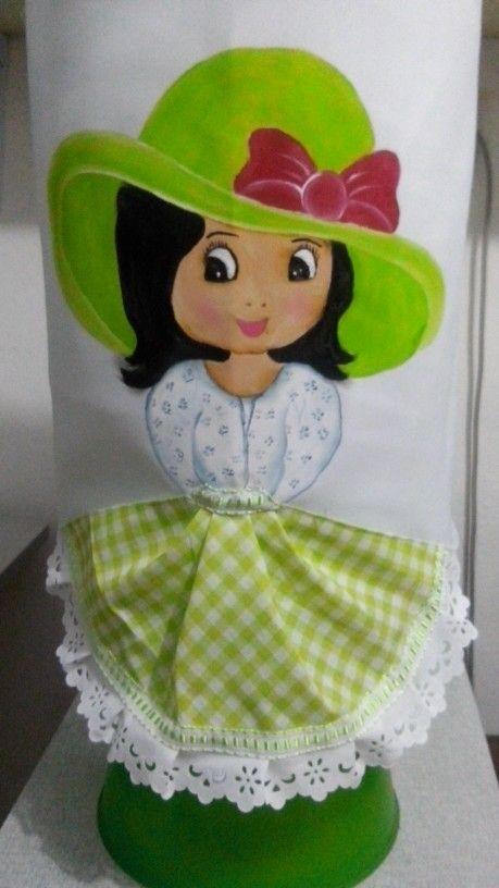 Almofadas de perninha com pintura em tecido | boneca | garrafão de água