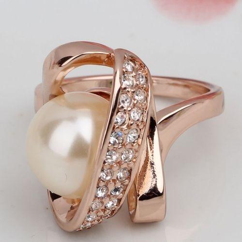 Anillo con Perla y Diamantes en Oro amarillo.: Pearl, Ring, With Pearls, Rings, Joyeria Anillos