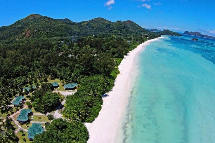Seychellerne, Praslin: Les Villas D´Or ligger ud til den laaaange, smukke Côte D'Or strand i flotte, frodige omgivelser!