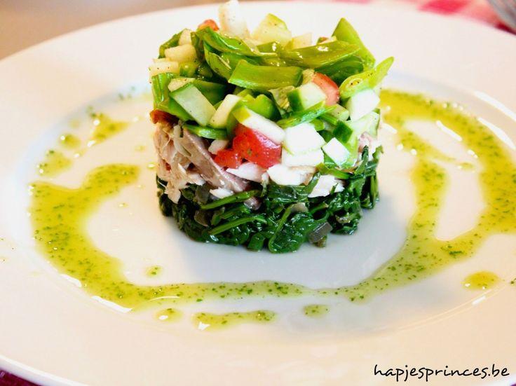 Tartaar van gerookte makreel met gemarineerde groentjes en peterselie-spinazie-olie - Hapjes Princess