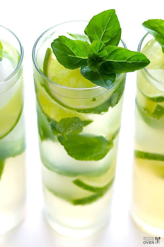 Ginger Beer Mojito -- All you need are 4 ingredients and 1 minute to make this fresh and tasty drink! | gimmesomeoven.com