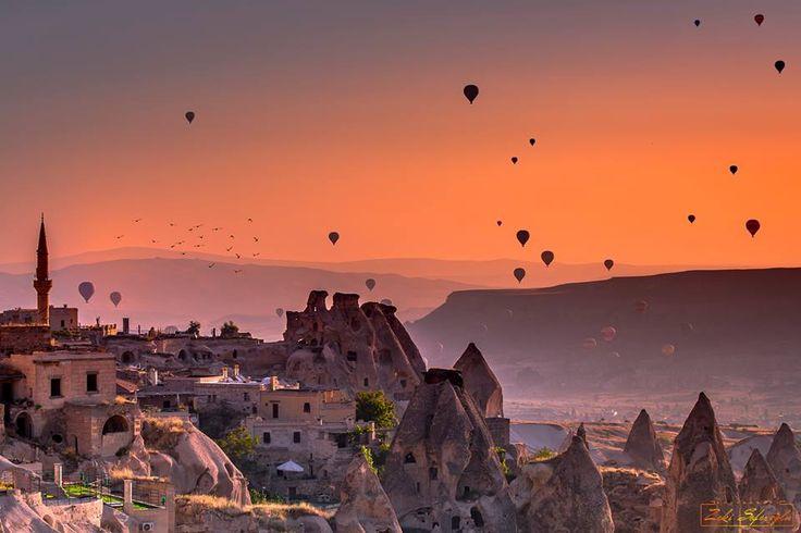 一種幾乎完全無法想像的美景@卡帕多奇亞Kapadokya。 ©Zeki Sefeoglu