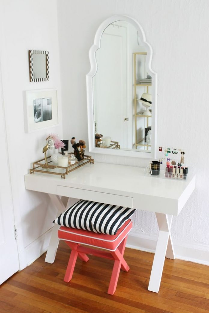vanity set for teenager. Girls Bedroom Vanity Set  Space Saving Ideas for Teenagers Check more at http Best 25 vanity set ideas on Pinterest Kids