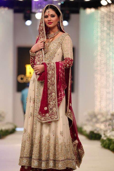 All about women fashion designer clothing and the latest fashion - Traditional Pakistani Bridal Outfits Desi Clothes
