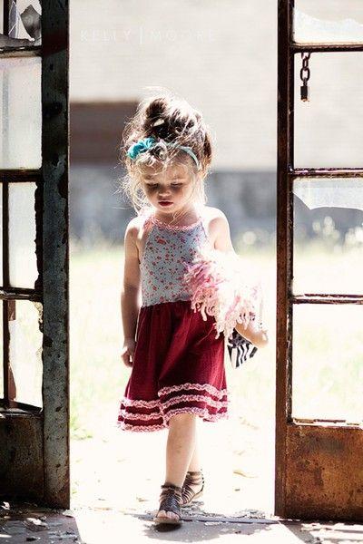 sweetestGladiators Sandals, The Doors, Little Girls, Kids Fashion, Girls Fashion, Baby Girls, Kids Clothing, Flower Girls, People Style