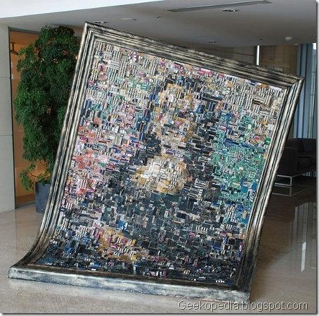 """""""Motherboard"""" Mona Lisa . Fantástica Mona Lisa con placas madre de PCs. La pieza se encuentra en las oficinas centrales de ASUS, Taiwan."""