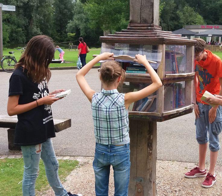 De boekenpaal, Amstelpark, Amsterdam.Vakantie 2016.