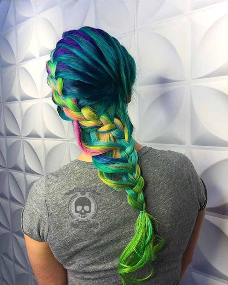"""""""Got to do this badass colab with the amazing @theconfessionsofahairstylist please come check us out in Boston for our class.. All the details or on her…"""""""