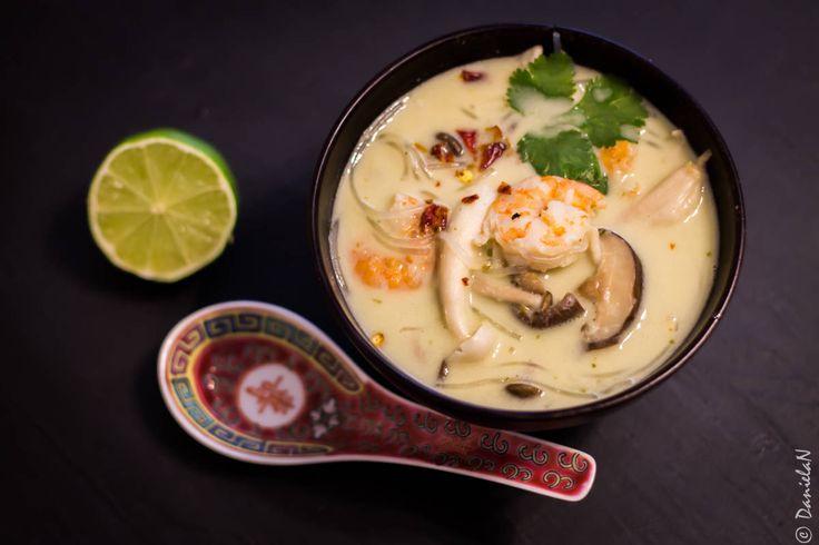 Supă fabuloasă cu creveți, tăiței și ciuperci