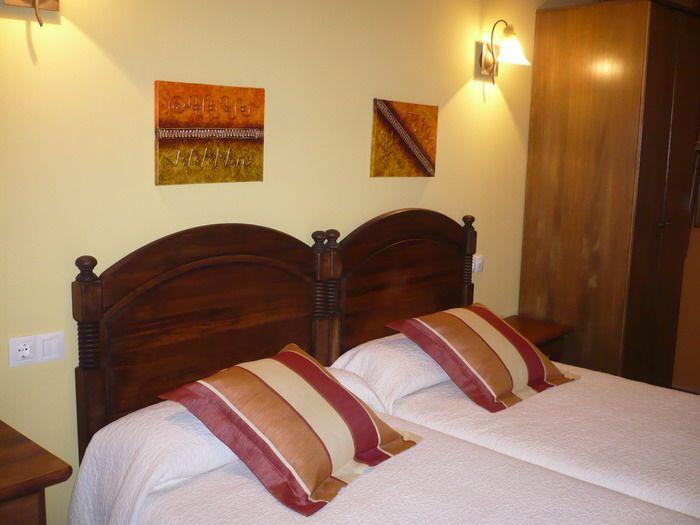 Siente el silencio, el descanso y el relax en una casa de turismo rural de categoría superior. Puedes encontrarnos en: http://www.elcorraldevalero.com/