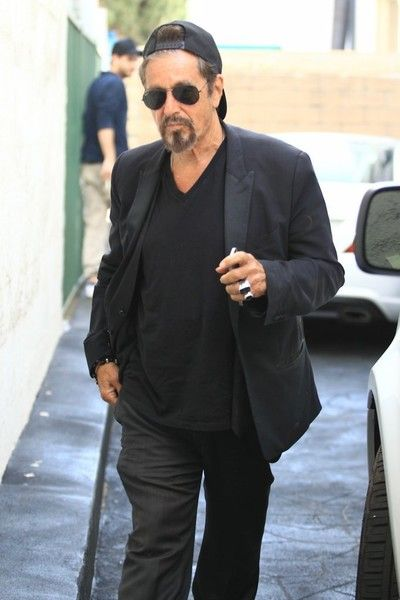 Al Pacino Photos - 'Scarface' actor Al Pacino grabs lunch with some friends in Beverly Hills, California on August 18, 2016. - Al Pacino Grabs Lunch at Ebaldi in BH With Friends