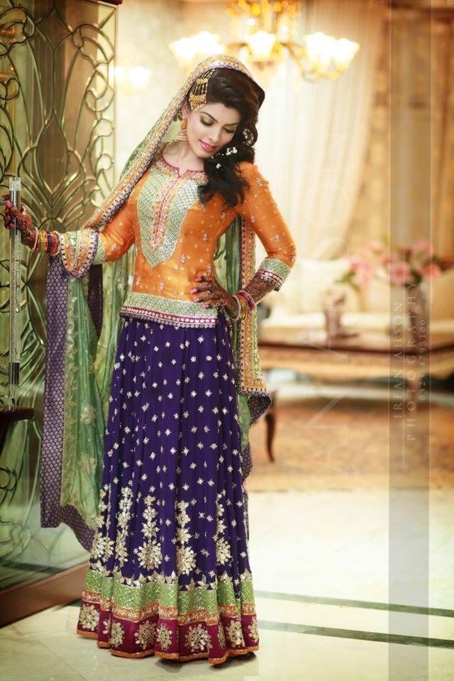 Mehndi dresses by pakistani designers images