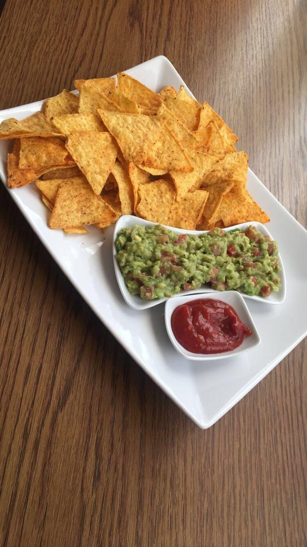 Tortillas guacamole food