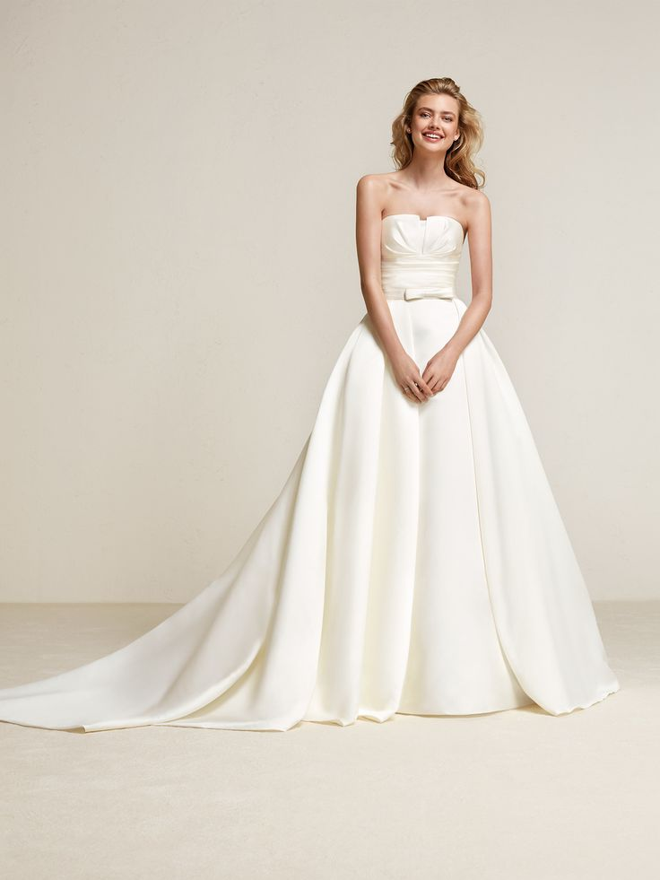72 best Designer: Pronovias images on Pinterest | Wedding frocks ...