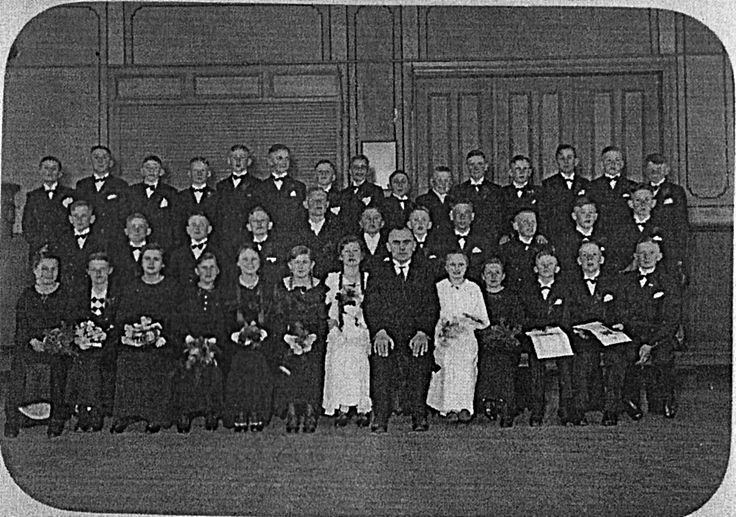 Zeyer ev. Kirche 1st Communion photo from about 1932.