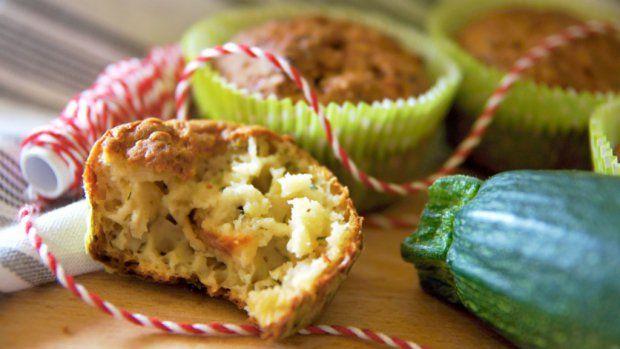 Šťavnaté muffiny naslano jsou skvělé jako chuťovka nebo svačina, kterou si…