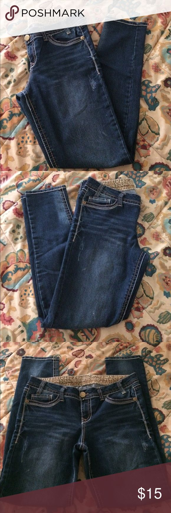 """Wallflower Jeans Wallflower jeans with design on back pockets. Only worn a few times and still in great condition. 5 functional pockets with a small one in the front right pocket. Some scratch like designs throughout the pants. Waist is 17"""" and inseam is 30.5"""". Wallflower Jeans"""