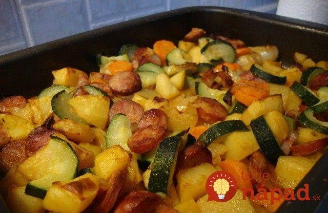Pečené zemiaky sú vynikajúcou prílohou aj samé o sebe. Ak k nim však pridáte tie správne ingrediencie, je to hotová delikatesa.