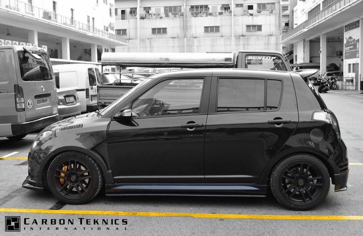 July 2014, Full carbon swift sports with TM style carbon fenders, CS style carbon hood and many other parts. Picture 09