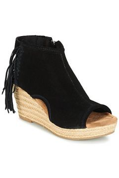 Sandaletler ve Açık ayakkabılar Minnetonka BLAIRE https://modasto.com/minnetonka/kadin-ayakkabi-sandalet/br34507ct19