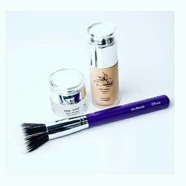 "Our Dioné Essentials includes our best selling ""The One"" mattifying primer, ""The Only"" foundation and our ""Airbrush"" foundation brush. This is $70 plus tax. This is not a sale....this is our EVERYDAY PRICE!!! Why not try a #professional #quality, #crueltyfreemakeup that doesn't break the bank. Contact one of our beautiful #goddesses today and start your Dioné journey! #livelifebeautifully #makeup #instabeauty #instagram #journey #theone #airbrush #mattifying #primer #crueltyfree #business"