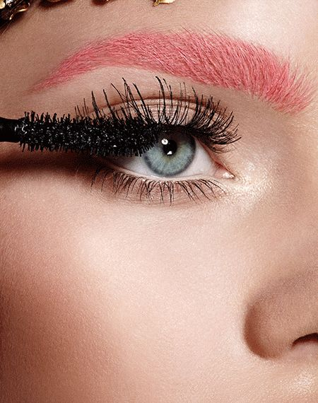 3 Makeup Trends That Are About To Be HUGE #refinery29  http://www.refinery29.com/couture-week-2015-makeup-trends