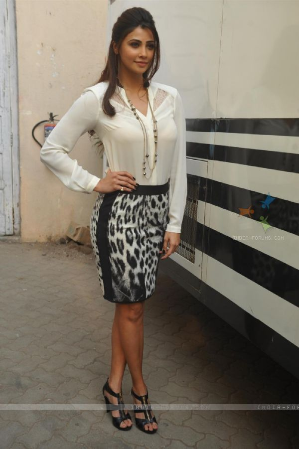 Daisy Shah : Daisy Shah at the Promotion of 'Jai ho'