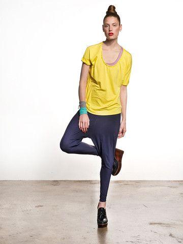GY`BELL Baggy Pants blau – »Take me to your gym«  Die super leichte Baggy Pants lässt sich einfach kombinieren und ist durch das breite Bündchen (5 cm Breite) extrem bequem und komfortabel zu tragen.