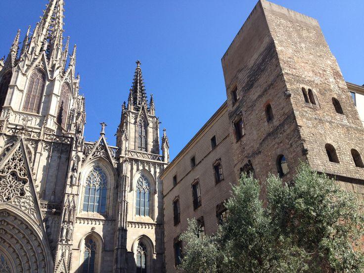 Кафедральный собор Святого Креста и Святой Евлалии – самый главный собор Барселоны