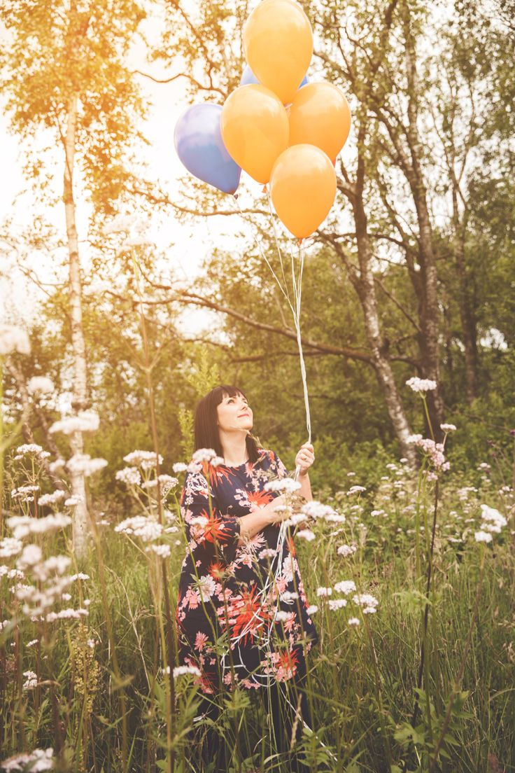 www.heddahestholm.wordpress.com Instagram: @heddussen #adventure #photography #summer #july #canon #lightroom #photoshop #norway #nature #portrait #photoshoot #balloons