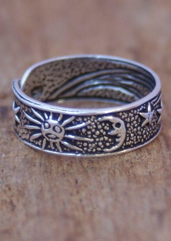 Karma East - Silver Sun, Star & Moon Toe Ring