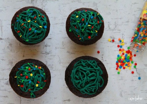 Tangled light cupcakes - How creative and cute!! 21 Christmas party food ideas