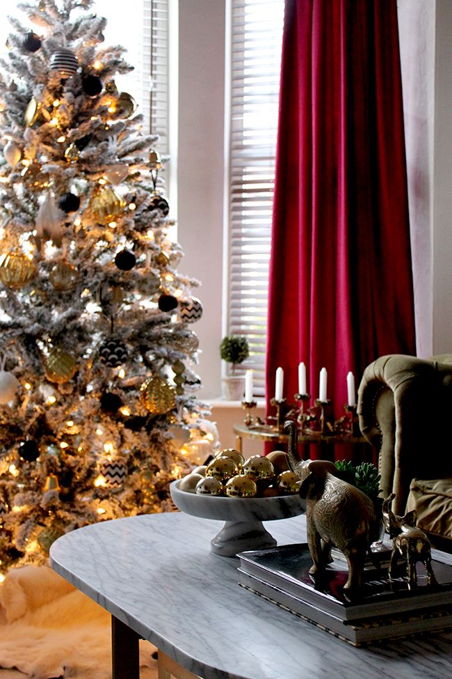 Christmas Living Room Decor Without Fireplace: 1000+ Ideas About Christmas Living Rooms On Pinterest